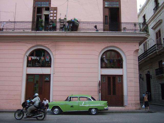 キューバがクラシックカー天国になった理由